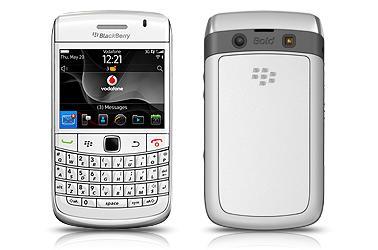 Blackberry Bold 9780 Black/White Vodafone 12 months Total £470 @ Phones4U