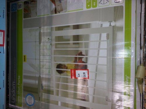 Lindam Baby Stair Gate Less Than Half Price 163 6 99