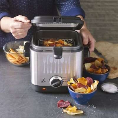 Lakeland 1.5L compact deep fryer £17.49 - HotUKDeals