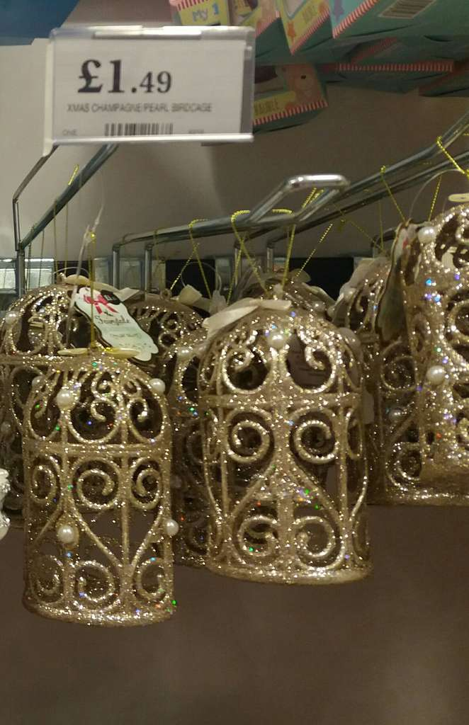 Pretty gold birdcage christmas tree decorations for Christmas decorations home bargains