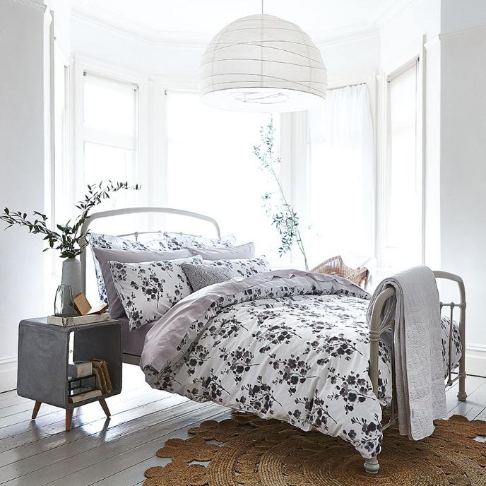 QnA VBage 104° - Bianca Cotton Sprig Print Bed Set in Grey - Single £4.50 (C+C) £8.45 (Delivered) @ Robert Dyas