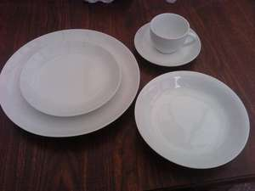 York - 5 piece Porcelain Dinner Set - £1.75 @ Barnitts (Instore)