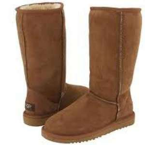 Womens classic tall Ugg boots £148.75 , £51.25 saving @ The Hut