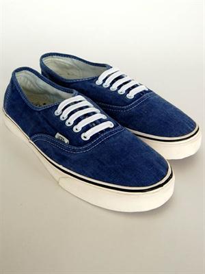 The Vans Authentic Deacon Washed Blue retro lace-up plimsoll  £20 @ Zee & Co