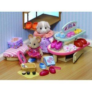 Sylvanian Families Village Shoe Shop £8.99 @ Amazon