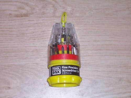 18 piece fine precision screwdriver set for £1 @ poundland