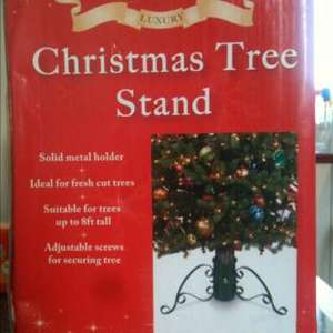 Christmas Tree Stand, trees up to 8 feet £3.99 @ Home Bargains