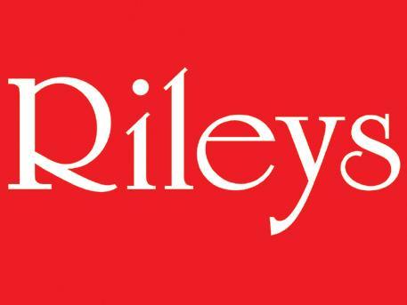 £4 per hour pool Rileys students