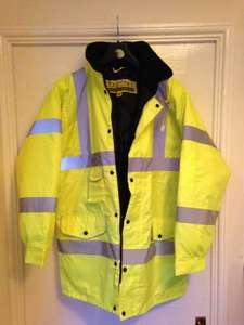 ALDI Hi Vis Jacket - Quilt lined inside £7.99 (Possible price error)
