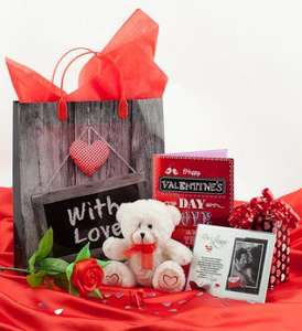 Valentine's Day £1 CHOCOLATES | FLOWERS | CARDS | DECORATIONS | NAUGHTY FUN | GIFTS | WRAPPING ACCESSORIES | BALLOONS | CANDLES @ Poundland