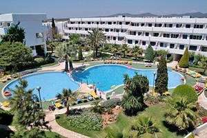 Majorca for 1 week for  £75 pp inc transfers and Flights based on 4 sharing with many dates from 9th April onwards @ Hotelopia