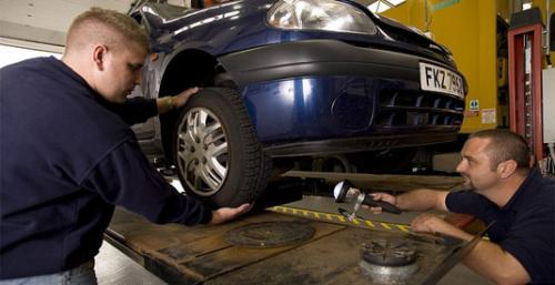Black Circles Tyres - MOT deal
