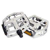 Bike Pedals at Halfords £2.00 Collect in Store
