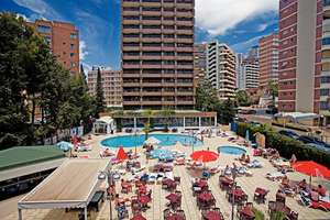 Benidorm £112pp = 1 week including, hotel, flight and luggage @ Airtours