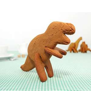3D Dinosaur cookie cutters £6.25 each from Amazon
