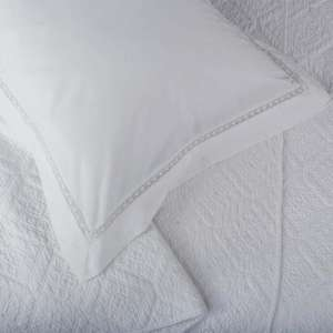 Luxury Lace Border Bed Linen - Fitted single sheet £7.98 (from £15.95) @ DAPW Sale