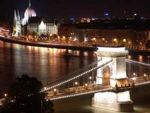 4 night, 4* city break to Budapest - Christmas Markets and Bridges a plenty - only £84pp based on two sharing @ ebookers