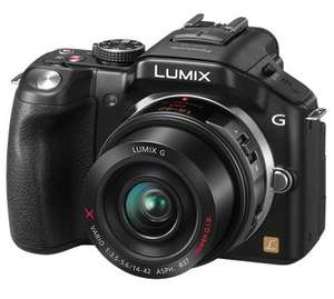 Panasonic Lumix G5 with 14-42mm kit lens plus free 45-150mm zoom lens £399