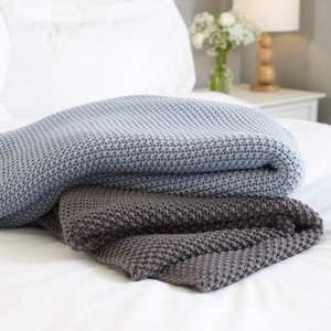 Moss stitch bed throw £24 + delivery £3.50? DAPW