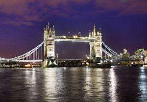 London Showboat Cruise for Two £78 (£39 per person) including a 4 course meal, bottle of wine and more!