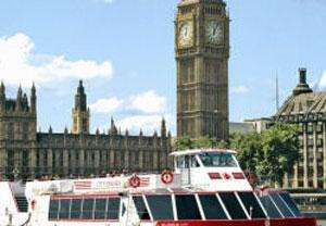 £13.60 for 2 people to cruise on the Thames! Hop on/off for 24 hours @Buyagift