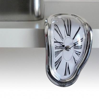 Dali-esque melting shelf clock £6.95 at Red5 Gadget Shop