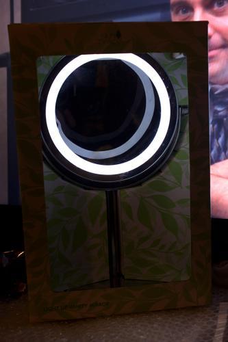 Wilko Skin Therapy Vanity Light Up/Magnifying Mirror £10.00 - Half Price in Store