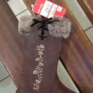 Girls Gore-Tex Boots £55.00 reduced to £25.00 at Clarks - in store only