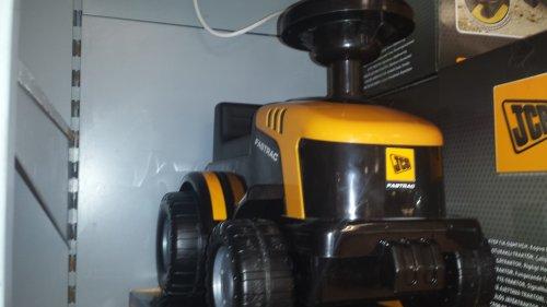 Jcb tractor ride on £5 at asda
