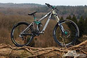 B'TWIN DROWP 9 Freeride /Downhill Mountain Bike Was £1900 Now £1120 @ Decathlon