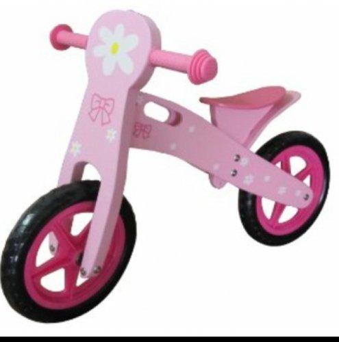 Pink balance bike £29.99 @ Amazon