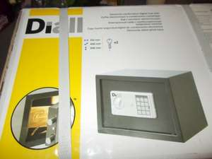 B & Q ALTRINCHAM Diall Electronic combination digal lock safe £15.00 was £19.00 Instore not onlione