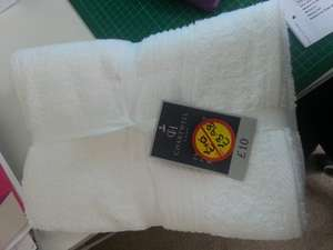 X2 bath towels (set) at Morrisons reduced from £10 to £3.98!