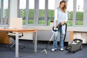 Carpet Cleaner Hire . half price now £20.56 for the a weekend hire OR  £32.90 a week  @ HSS  hire