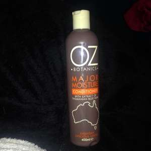 Oz major moisture 400ml conditioner like Aussie in poundland £1