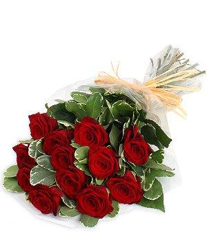 A dozen Red roses £5.00 @Tesco