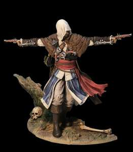 Assassins Creed IV Black Flag FIGURINE - Edward Kenway: The Assassin Pirate & 3 DLC Items @ Amazon -