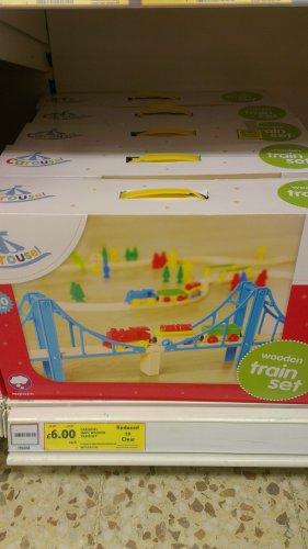 Carousel 100 piece wooden train set - £6 Tesco INSTORE