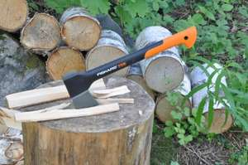 Fiskars X10 Carpenter's Axe - £22.50 @ Tesco