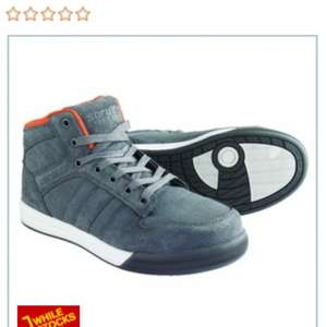 Scruffs high top safety trainers! £25 @ Wickes