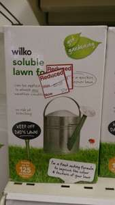 Wilkos soluble lawn food 1 KG  57p