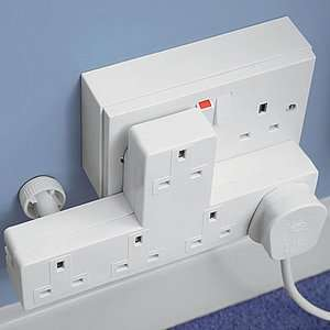 5 Way Plug Adaptor £4.95 @ Mirror free delivery