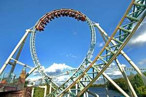 Thorpe park 2day pass and overnight stay with breakfast 4 people £169 @ wowcher