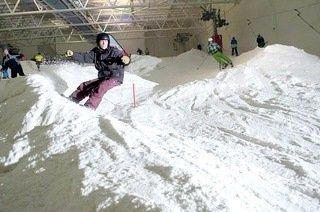 90 min Snowboarding session at Glasgow Braehead 200m slope. £14.00 @ groupon