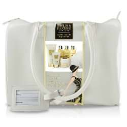 Baylis & Harding Weekend Bag with toiletries   £14.99 @ lloyds pharmacy