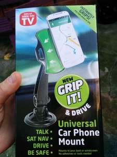 Grip-it in car phone holder (Grip-go alternative) £1 @ Poundworld