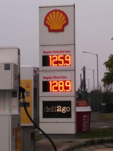 Shell petrol £1.26 diesel £1.29 M40 High Wycombe