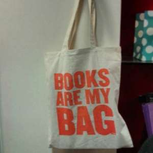FREE CANVAS TOTE BAG AT WATERSTONES STORES