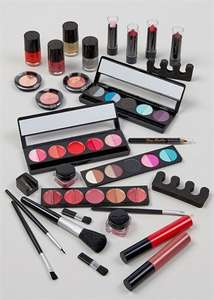 True Beauty Ultimate 30 Piece Gift Set  Now £10.00 Was £20.00 @ matalan