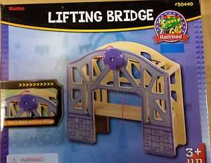 Brio/Thomas & Friends compatible Lifting Bridge: only £2.16 (add on item - Min spend £10)